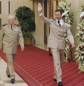 Esad'ın generalleri Türkiye'ye sığındı