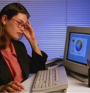 Bilgisayar başında vakit geçirenlerin gözlerine ayrıca özen göstermesi gerekiyor