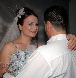 Skandal evlilik bitiyor-Bursa, Öykü Özen