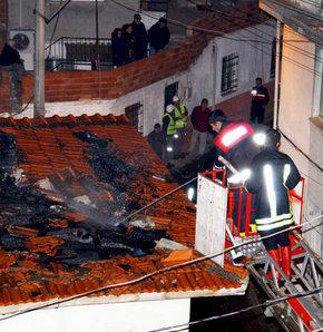 Elektirik kontağı bütün evi yaktı- Edremit, yangın, itfaiye