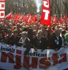 İspanyollar yine sokaklara döküldü