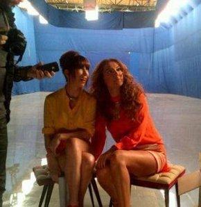 Demet Akalın ve Hande Yener reklâmda