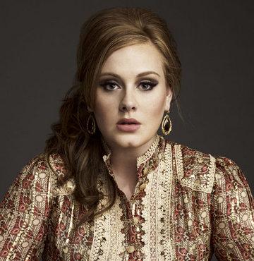 İngiltere'nin en zengin genç şarkıcısı Adele