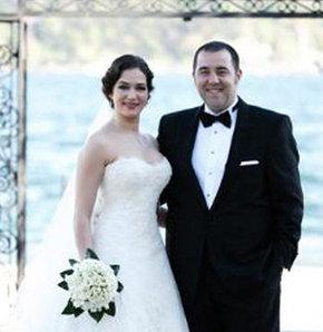 Ünlü komedyen Ata Demirer Özge Borak'la evlendi