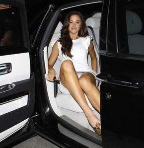 Playboy'un 2008 güzeli Jayde Nicole'dan frikik. Jayde Nicole frikik