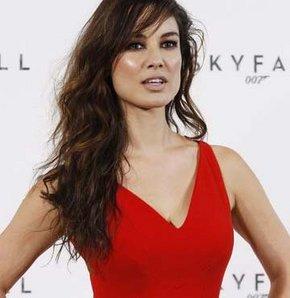 James Bond serisinin 23'üncü filmi Skyfall'un Fransız yıldızı Berenice Marlohe eski porno yıldızı çıktı