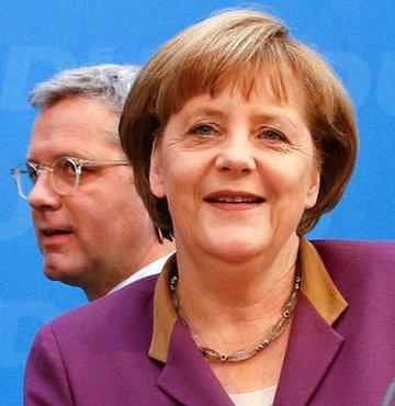 Merkel veliahtının ipini çekti