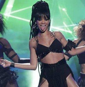 Rihanna'nın fiziğinin sırrı
