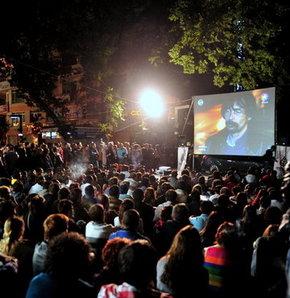Behzat Ç. hayranları Ankara Kızılay'da toplandı