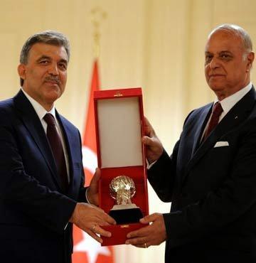 Cumhurbaşkanı Gül'e ödül