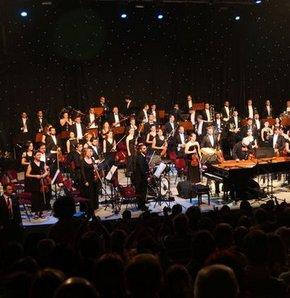 Türkiye'nin en uzun soluklu kültürel etkinliği olan 'Uluslararası Bursa Festivali', bu yıl 51. kez sanatseverlerle buluştu