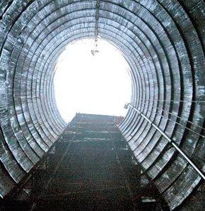 Haliç'in temizlenmesi amacıyla inşa edilen 4 km'lik tünelde sona gelindi. Tünelle, Boğaz'dan Kağıthane Deresi'ne günde 260 bin metreküp deniz suyu taşınacak