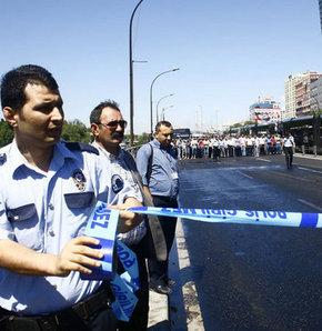 Emniyet'te metrobüste saldırgan alarmı