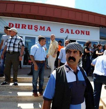 KCK davasında Kürtçe krizi