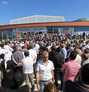 KCK davası hakimi protestolar nedeniyle duruşmayı Perşembe gününe erteledi