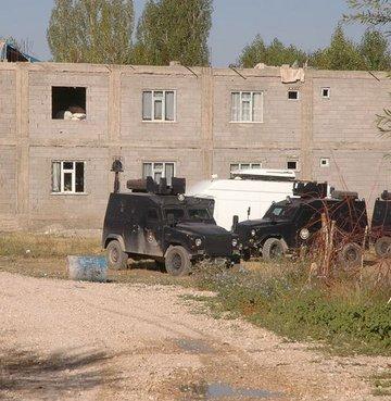 Polise ateş açan PKK'lı ölü ele geçti
