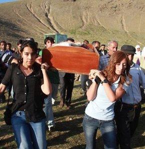 """""""Melek'in bedeni yaralar içindeydi"""", melek karaaslan, ağrı, kadına şiddet"""
