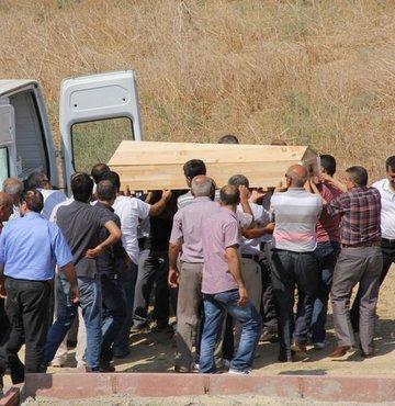 2 PKK'lı teröristin mezarı açıldı