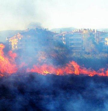 Tatil beldesinde yangın paniği