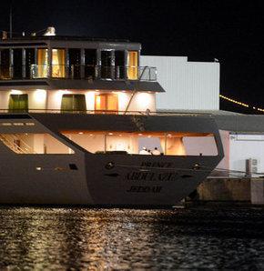 Suudi Arabistan Kralı Abdullah bin Abdülaziz'in eşi ve 55 akrabası tatil için Antalya'ya geldi.
