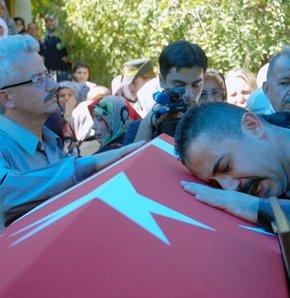 Şehit onbaşı Hüseyin Gökhan Eriç toprağa verildi