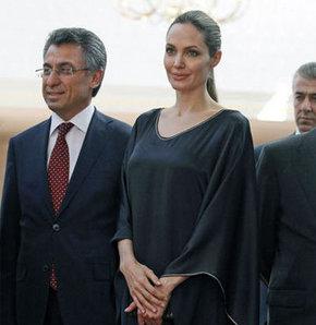 """""""Angelina Jolie ölüyor"""" iddiası"""