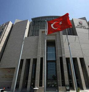 Balyoz Davası kapsamında hapis cezasına çarptırılan askerlerden 5'i, karara itiraz için Çağlayan'daki İstanbul Adliyesi'ne geldi.