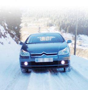 Kar lastiği olmayan trafiğe çıkamayacak!