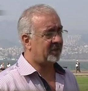 İsmail Ercan, İzmir'de yaşayan bir baba. 18 yaşındaki oğlunun 2 sene önce gittiği yaz kampında yasadışı bir sol örgütü tarafından aklının çelindiğini ve örgüt üyesi olduğunu söylüyor. Oğlunu kurtarmak için uzun süredir çabalayan baba Ercan, her bomba patl