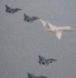 Suriye Havayolları'na ait Moskova-Şam seferini yapan yolcu uçağının