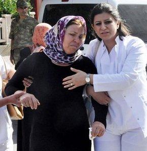 Çukurca'da şehit düşen erin annesi Selma Yıldırım, oğlunun şehit olduğu haberini alınca fenalaştı