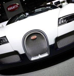 1001 beygirlik Bugatti Veyron 16.4 Grand Sport'un fiyatı 4.3 milyon Euro, İstanbul Autoshow