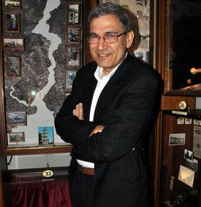 New York Times'tan Orhan Pamuk'a övgü