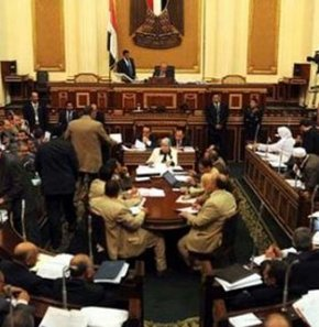 Mısır'da anayasa krizi sona erdi