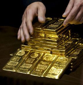 Altın, Fed'i bekliyor