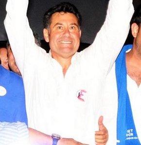 Muğla'nın Bodrum İlçesi'nin görevinden alınan DP'li Belediye Başkanı Mehmet Kocadon görevine iade edildi.