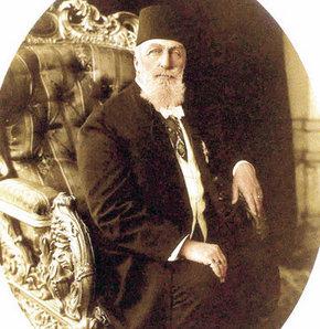 Son Halife, Cumhuriyet'i Mustafa Kemal'e çektiği bu telgrafla kutlamıştı