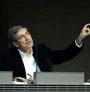 Orhan Pamuk, Paris'te son kitabını tanıttı