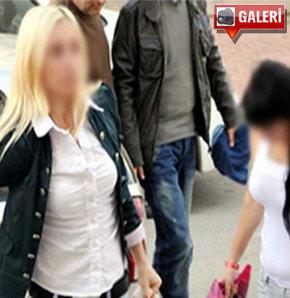 Antalya'da polis, bir süredir takip ettiği fuhuş çetesine yönelik sabah saatlerinde operasyon düzenledi.