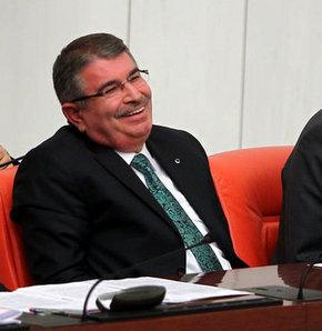 Sırrı Süreyya Önder, Bakan'ı güldürdü