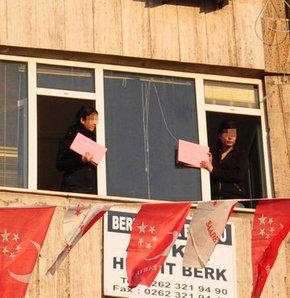 Pankart açtıkları için tutuklanan öğretmen ve öğrenci 6 yıl 8 ay hapisle cezalandırıldı