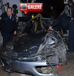 Bursa'nın Mudanya İlçesi yakınlarında, Ferrari marka otomobiliyle altgeçide uçan ve yaşamını yitiren 29 yaşındaki tekstilci Şükrü Mançu gözyaşları arasında toprağa verildi.