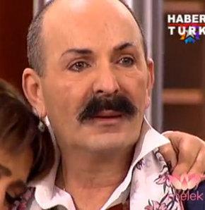 Star TV ekranlarında yayınlanan Melek programının bugünkü konuğu Cemil İpekçi oldu. Anne ve babasının hikayesini anlatan Cemil İpekçi, hem ağladı hem de ağlattı.