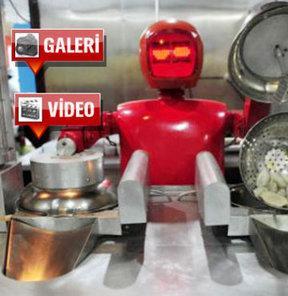 Yemek yapan robot!