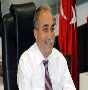 Şanlıurfa Büyükşehir Belediye Başkanı Ahmet Eşref Fakıbaba, bugün grup toplantısında AK Parti'ye katılacağını bildirdi.