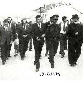 İçişleri Bakanı Muammer Güler, ilk kaymakamlığını yaptığı Denizli'nin Çal ilçesinde çalışkanlığı ve hoşgörüsüyle hatırlanıyor.