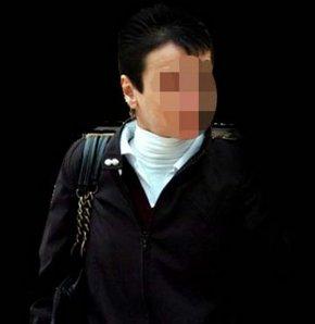 """Samsun'da 45 yaşındaki Hatice Ç., para karşılığı bir erkekle cinsel ilişkiye girmesini teklif ettiği kadın arkadaşını bıçakladığı için üçüncü kez yapılan yargılamada 10 yıl hapis cezasına çarptırıldı. Ağlayarak savunma yapan tutuksuz sanık Hatice Ç., """"Hep"""