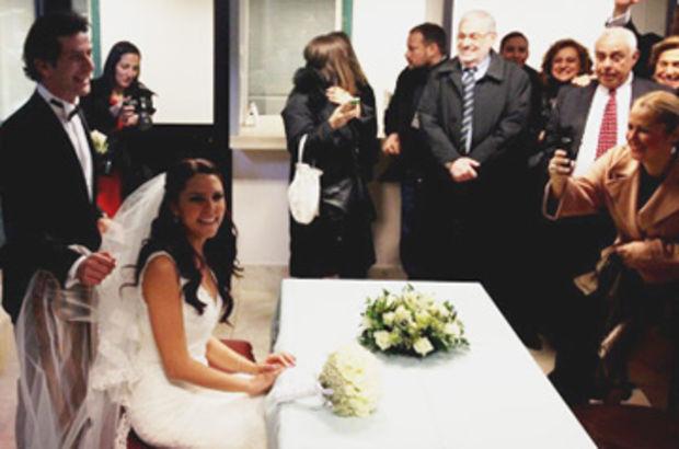TV Habertürk'ün sevilen ekran yüzü Ece Üner ile CNN Türk'ün ekran yüzlerinden Deniz Bayramoğlu Roma'da evlendi.  Roma Konsolosluğu'nda yapılan törende çiftin nikah şahitliğini Ciner Medya Yönetim Kurulu Başkanı Kenan Tekdağ ve CNN Türk Haber Genel Yayın Y