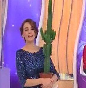 Ali Özbir, Esra Erol 'la Evlen programının sunucusu ve eşi Esra Erol için özel bir klip hazırlattı.