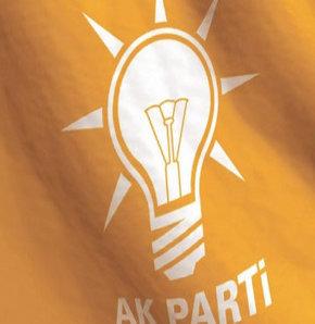 """AK Parti, yaklaşan yerel seçimler öncesinde planlama çalışmalarını tamamladı. 10 Mart'tan itibaren """"sahaya inmeye"""" hazırlanan AK Parti yönetimi, 26 ilde bölge toplantıları düzenleyerek, il ve ilçe seçim koordinasyon merkezi başkanlarını eğitimden geçirece"""